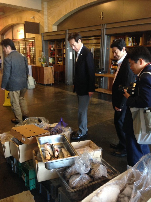 Mayor Hisamoto tours the Ferry Building and local farmer's market in San Francisco, CA