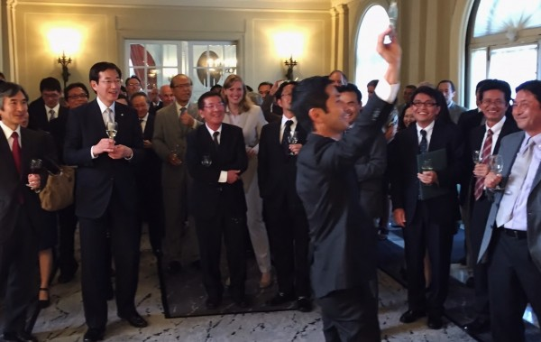Mayor Hisamoto participating in a reception at the residence of Jun Yamada, San Francisco's Consulate General of Japan
